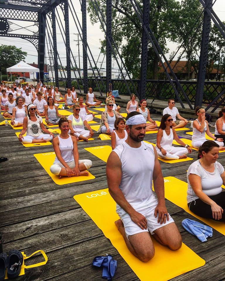 Wells Street Bridge Yoga